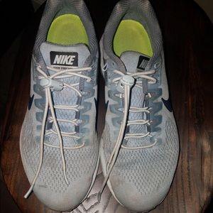 Nike dynamic fit grey running sneakers.